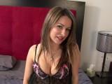 Vidéo porno mobile : Rouge à lèvre, nuisette sexy, joli petit lot se masturbe